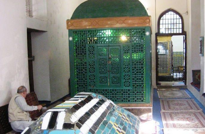 بقعه شیخ زاهد گیلانی