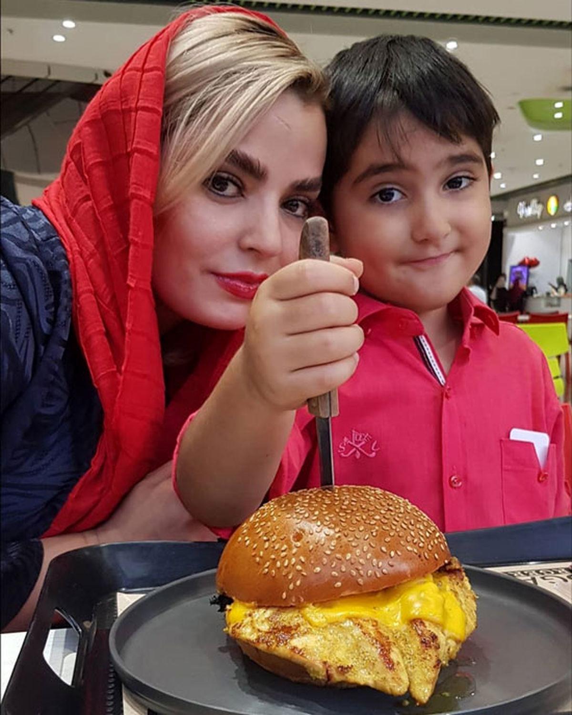 تصاویر دیدنی از سپیده خداوردی و پسرش در خیابان +عکس عاشقانه