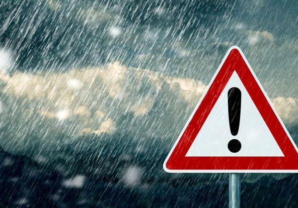 بارش باران و وزش باد شدید در برخی استانها؛ هشدار امواج 3 متری در سواحل شمالی و جنوبی