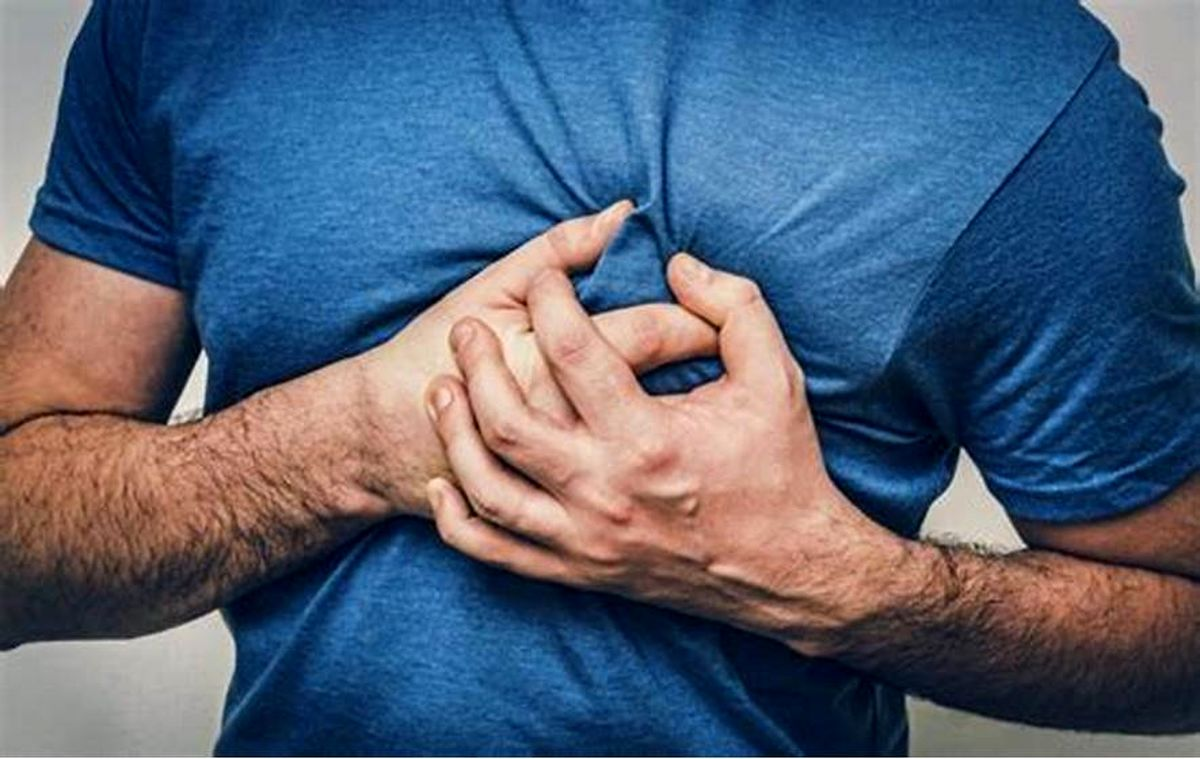 اگر این علائم را در سمت راست بدنتان حس کردید به پزشک مراجعه کنید